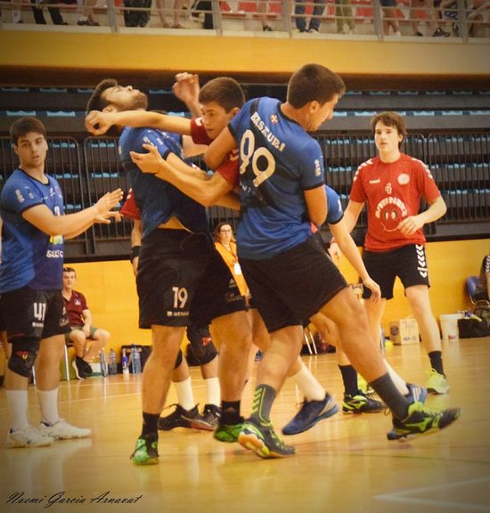 Women Handball Is My Life Handball EyeEm Selects Fotografie Fotography Sports Team Match - Sport Competitive Sport Friendship Young Adult Men Stadium Audience People Group Of People Basketball - Sport Indoors  Adults Only Togetherness Sports Uniform Competition Full Length Sport Adult Contest