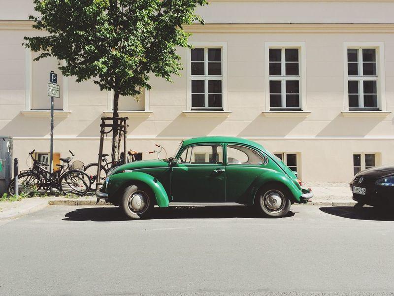 Vintage Ride VW Käfer VW Beetle Vintage Cars Green Berlin