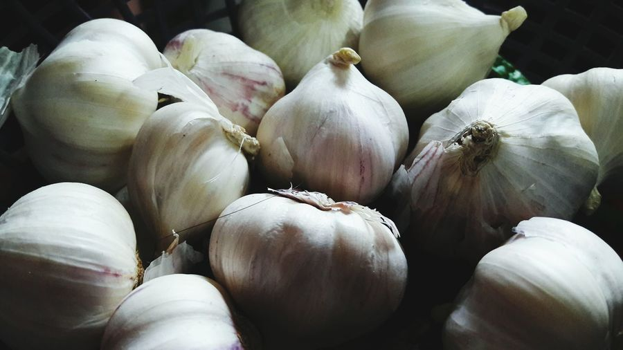 Close-up of garlic bulbs