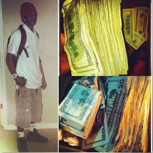 TO MUCH MONEY $! / BItches at school be hating on me but Fuck them!