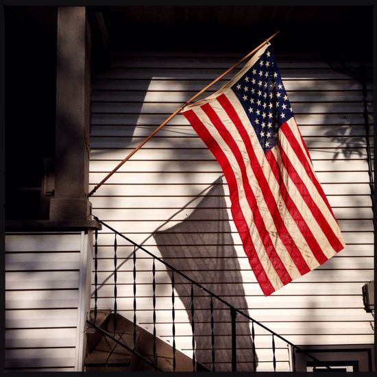 Remembering those who have served. Freedom EyeEm Best Shots Photojournalism The Minimals (less Edit Juxt Photography) Creative Light And Shadow