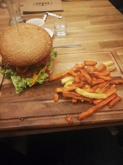 Texas burger Batat Rzeszów Hamburger Unhealthy Eating Food Food And Drink Indoors  Table Burger