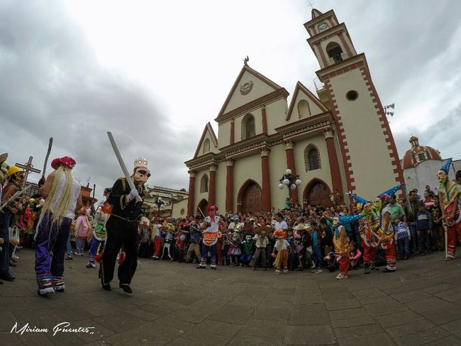 Danza Naolinco Tradición Danza Septiembre Naolinco, Veracruz, Mexico. Naolinco Naolinco De Victoria Tradition Pilatos Go Pro Hero 4 Photography Large Group Of People Arts Culture And Entertainment Cloud - Sky People Architecture Travel Destinations Building Exterior