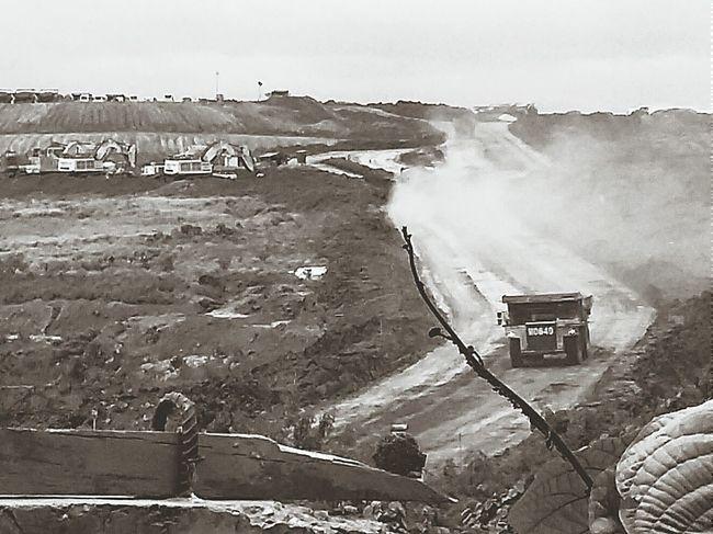 Kalimantan Pertambangan Blackandwhite