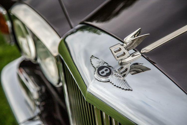 Hier noch was von der British Flair Messe in Hamburg . Car Bentley Oldtimer Great Britain Crome  Logo Hello World EyeEm Deutschland