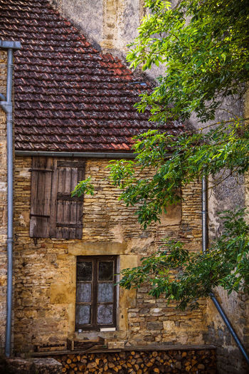 Architecture Building Exterior Built Structure Burgundy Day Door France House No People Outdoors Roof Rustic Tiled Roof  Window Window Box
