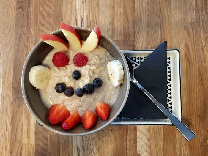 Frankfurt Fruits Smile Face Breakfast Healthy Eating Healthy Quality Time Coffee Break Coffee Time Frankfurt Am Main Enjoying Life Ready-to-eat Under Pressure Food Fruit Bowl Raspberry Breakfast Studio Shot Close-up Food And Drink Berry Fruit Strawberry Blueberry Porridge Oatmeal Oats - Food Breakfast Cereal Berry