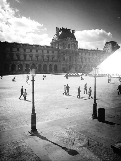Musée Du Louvre Paris People Light And Shadow Louvre Someplace The Street Photographer - 2015 EyeEm Awards