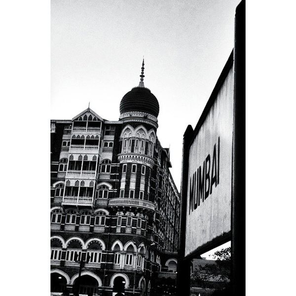 COZ Sometime u have to tilt the camera. 😷 Oldpic Tajhotel Mumbai 1000thingstodoinmumbai _soi _oye Bombay Legacy Tao_theartorgnisation Dream Rotation Gatewayofindia Elephanta Tourist India_91 India Incredibleindia Ig_indiashots Foto Motofoto 😷😷