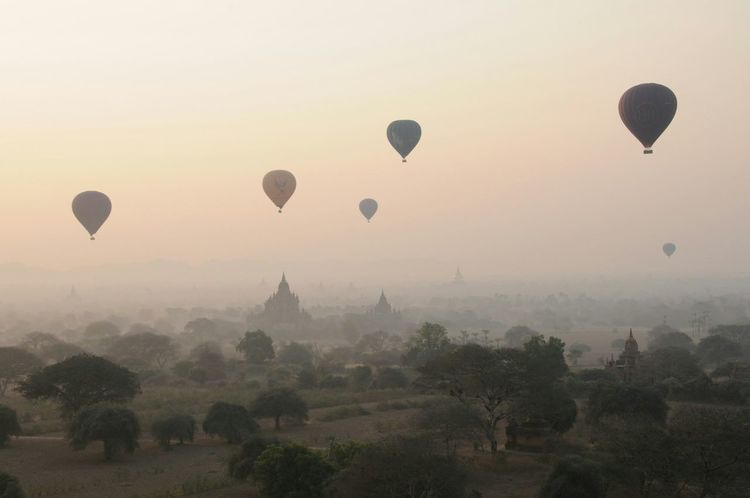 Travelling Photography Sunrise Hello World Enjoying Life Backpacker Pagodas Balloons Myanmar Kik Me ;)