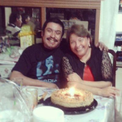 Felizcumpleaños a mis queridos tatas :) Los amo ♥