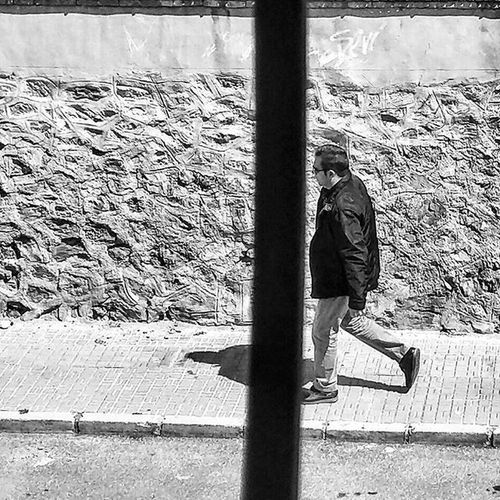 Passerby Viewfrommywindow Blackandwhitephotography Blackandwhite Bnw Bnw_maniac Bnwlovers Monochrome Bnw_lover Bnw_lovers Mono Streetphotography Streetphotography Blackandwhite_streetphotography