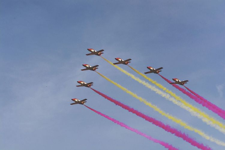 Airshow Teamwork Smoke - Physical Structure Flying Airplane Vapor Trail Speed Aerobatics Transportation Stunt Cooperation Formation Flying Skill  Low Angle View Arrangement Air Vehicle Motion Day Military Airplane Mid-air