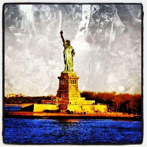 Statue of Liberty! #nyc Miracle Pride NYC Cruise Sun National IPhoneography Newyork Sunrise Monument Harbor Seas Beauty Statueofliberty Carnival EyeCandy  Cruising Gmy Statue Ladyliberty Lady Carnival_miracle NY Ccl USA Cruise_ship Liberty Newyork_harbor Landmark