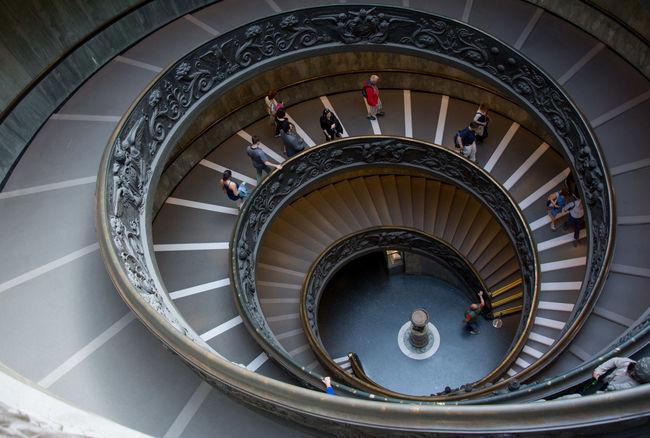 Museivaticani Musei Vaticani Rome Roma Italy Italia Architecture Stairs Spiral Curve Spiral Staircase Nikon Nikonphotography NikonD7100 Iloveitaly CittaDelVaticano VaticanCity Vatican Travelling Nikonitalia Architecture Stairs Italy❤️ Curve Scala