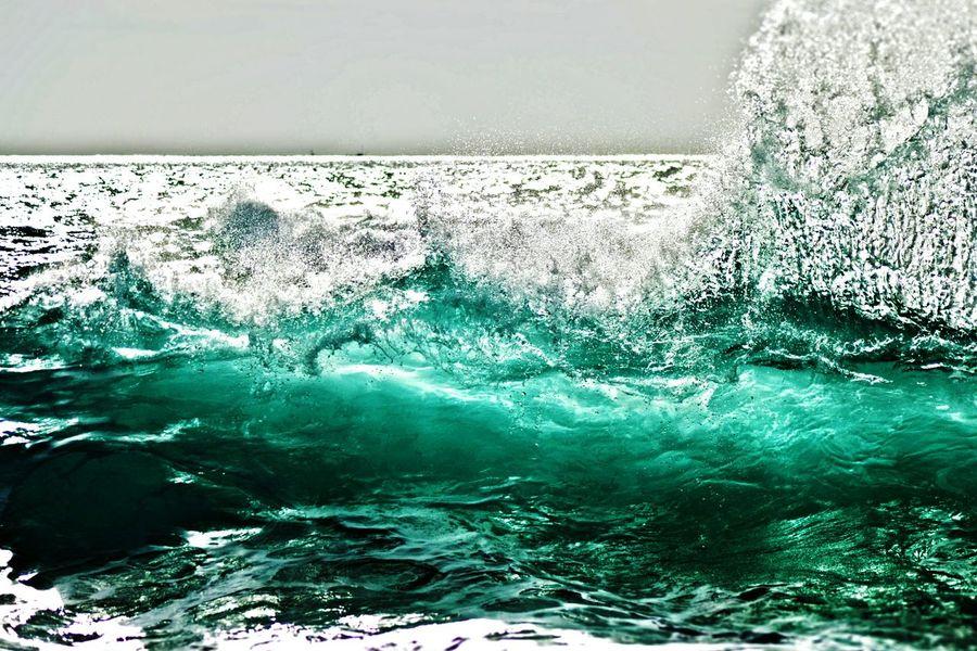 Wave coming Wave Hawaii Beachphotography Ocean Sea Offshore Break Hawaii Portrait Outdoors Photograpghy