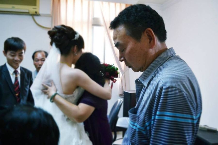 Amelea's Photo Wedding Love Is In The Air Say Goodbye Parents 拜別,總是讓人心疼 It is hard to saying goodbye. Father And Daughter