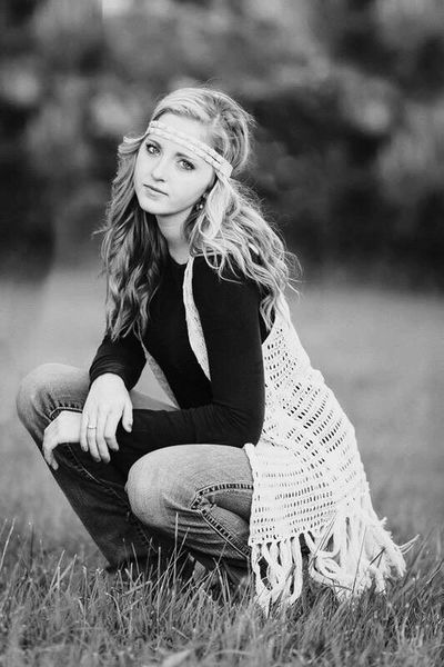 Black and white and Emma. Outdoors Portrait Blackandwhite Black And White Photography Boho Senior Pictures  First Eyeem Photo