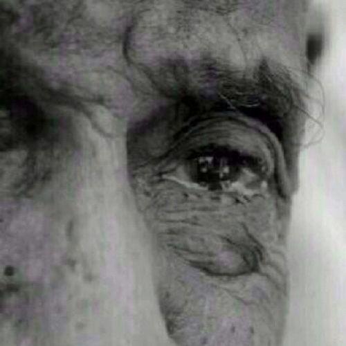 صبراً أيها المبتلى فلو علمت ما لك عند الله ، لبكيت من شدة الفرح .