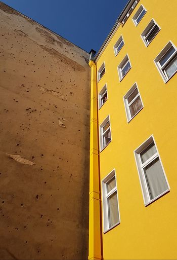Old Buildings Old Facade Facades Facade Building Facade Building Building Story Buildings Yellow Building Yellow Facade Window Windows Wall - Building Feature Architectural Detail Architecture_collection Yellow Building Exterior Architecture Built Structure No People Outdoors Sky Photography Themes