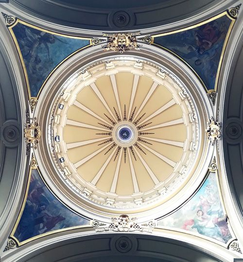 Ceiling Dome Low Angle View Directly Below Indoors  Architecture Cupola No People Built Structure Architectural Design Close-up Ornate Day