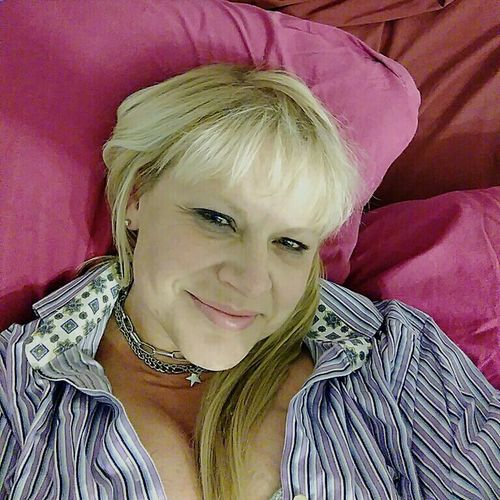 Blonde Woman Smiling Blonde Woman Single Woman Smiling One Person Beauty Beautiful Woman Indoors  Blond Hair Adult Close-up Lying Down Front View Looking At Camera Young Adult Blondie 4 Life♥ One Woman Only Portrait