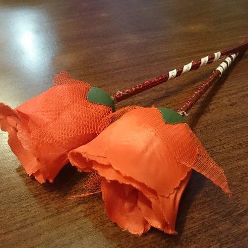 Got a valentines flower.Valentines date with my ZAGU.. @dizzytotdevilia @buttetsfly Iceskatingnaituuu
