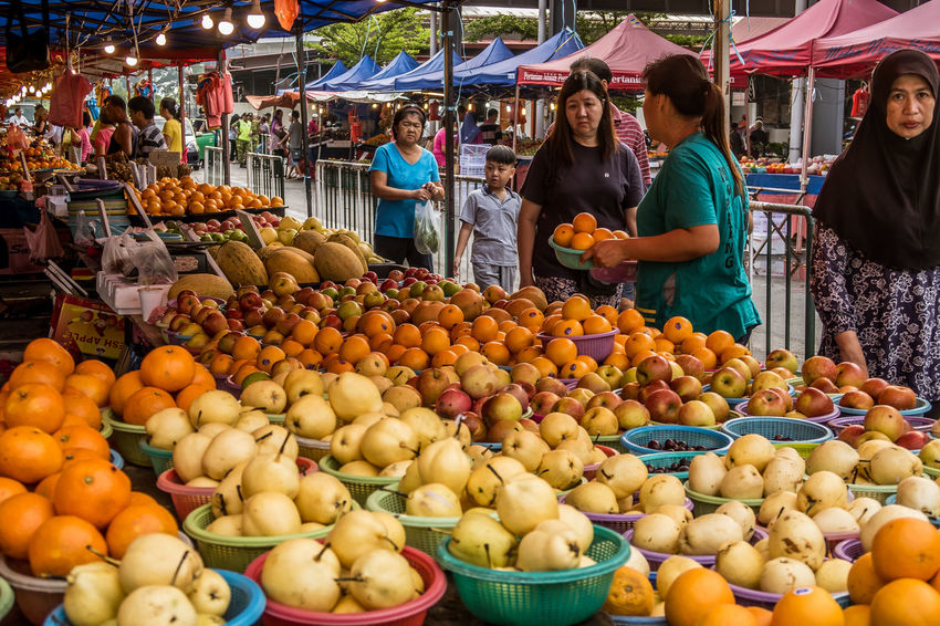 Canon G7X Colour Of Life First Eyeem Photo Kuching Malaysia Orange People Topical Fruit Weekend Market