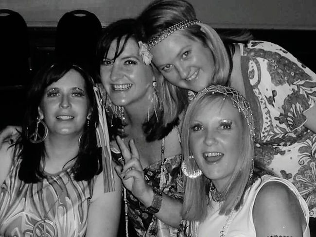 Girls Night Out Black And White That's Me Fancy Dress 70s Fashion Smile Pretty Ladies Party Time