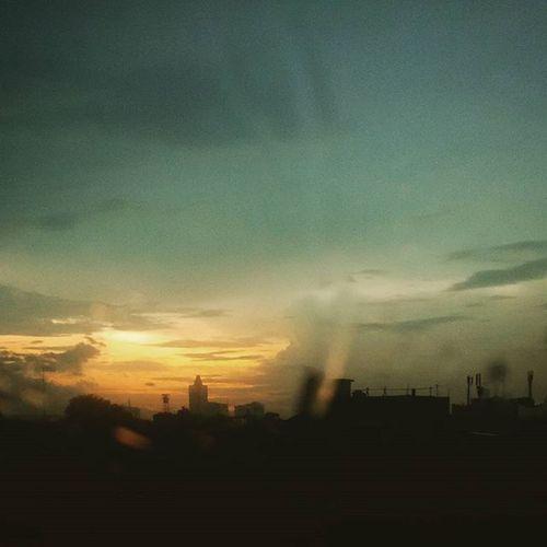 Urban Shots Landscapes Sunshine Buildings Point Of View Glitch Quick Shot