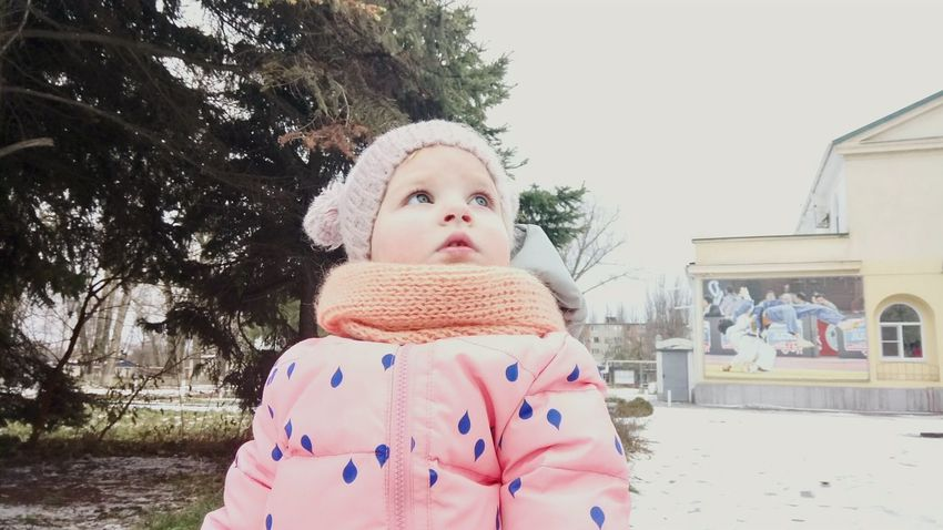 Winter Christmas Warm Clothing One Person One Girl Only Baby Knitted  Outdoors People Cold Temperature Day My Doughter EyeEm Best Shots Beauty In Nature EyeEm Gallery EyeEm Best Edits Human Body Part Enjoy The New Normal