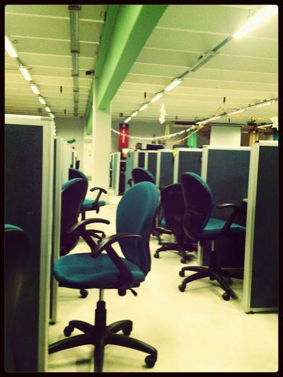 Telephone Box Teleperfomance Working qe lindo ser el único trabajando :'(