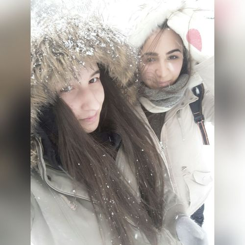 Two People Cold Temperature Adult Women Only Women Adults Only Winter Weather Outdoors Warm Clothing Young Women Portrait Snow Young Adult Headshot Close-up People Day 😄😃😊☺😉😍😘 Güzel Günler Güzel Insanlarla Yaşanır. 😄😘💝