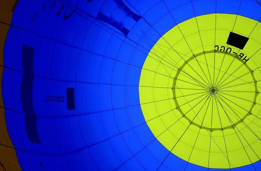 Chateau d'Oex Ballonherz❤ Braunschweig Château D'Oex Festival Season Hülle Regenbogenfarbe Ballon Ballonfestival Balloon Blau Day Färben Gelb Leuchtende Farben No People
