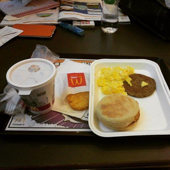 凌晨3點食咗個珍寶套餐 依家食精選早晨套餐 Hkig 2015  Mcdonalds Alldaybreakfast NewYearDay 元旦 麥當勞 全日早餐 精選早晨套餐 deluxebreakfast