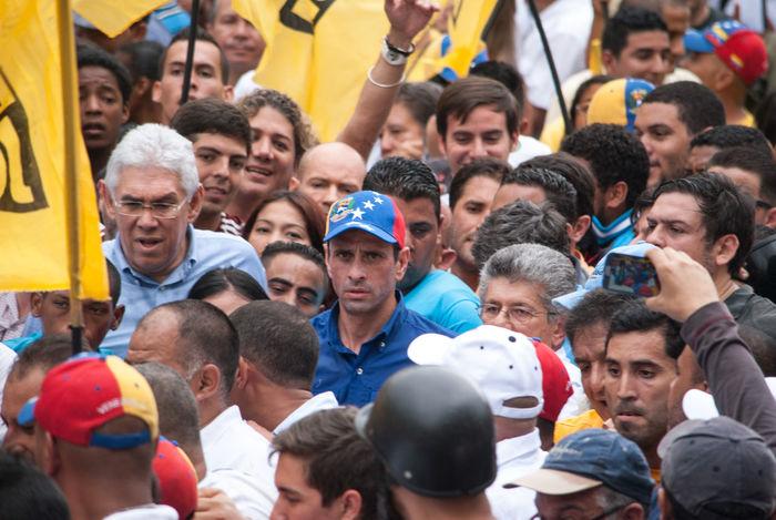 The governor of Miranda, Henrique Capriles Radonski been leading a demonstration in which he demanded respect for the rules of the recall referendum (EN) | El gobernador del estado Miranda, Henrique Capriles Radonski encabeza una manifestación en la que exigió el respeto a la normativa del referendo revocatorio (ES). Capriles Radonski Caracas Demonstration Manifestación Nicolás Maduro Recall Referendum Referendo Revocatorio Venezuela First Eyeem Photo