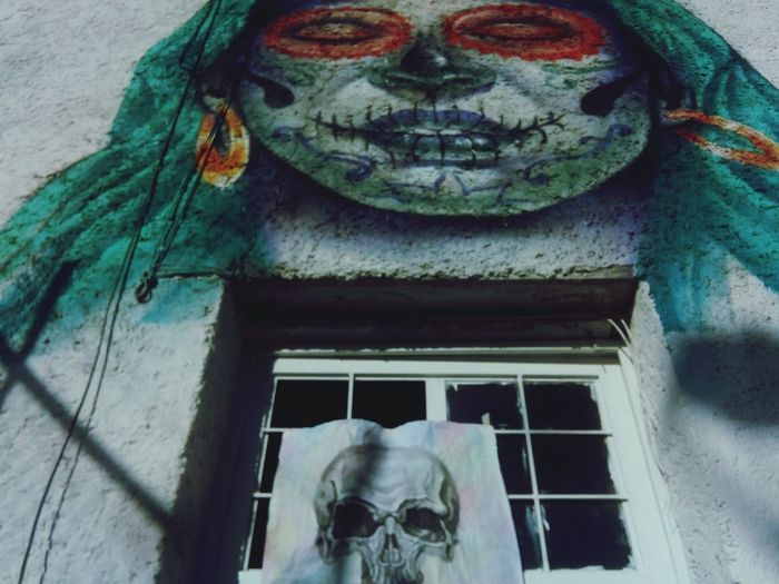 camino muerto Leo Sáenz Chihuahua Mx Catrinas Close-up Built Structure Skeleton Skull