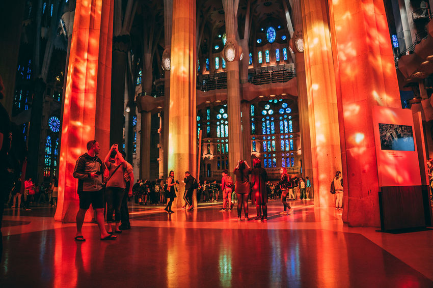 Antoni Gaudí Barcelona Church Gaudi Sagrada Família Basilica Tourist Attraction  Architecture Built Structure Illuminated Indoors  Large Group Of People Leisure Activity Lifestyles Light And Shadow Light Show Men Night People Real People Sagrada Familia Sagradafamilia Tourism Women