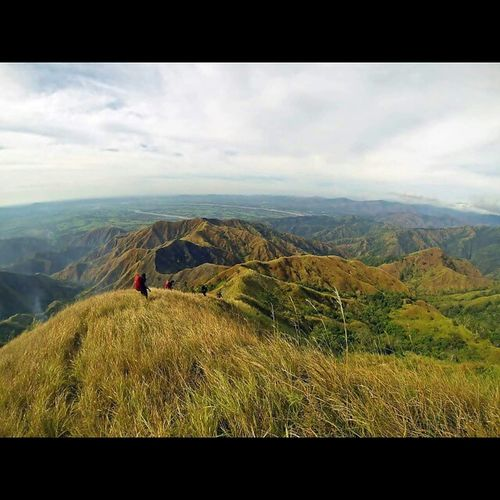 Trail from Mt. Timarid to Mt. Simagaysay going to One Degree Plateau AIDSventure AsankaAids Travel Travelph Mountain Phmountains MtSicapoo MtTimarid MtSimagaysay IlocosHighestMountain Ridge Knifeedge RollingHill Uphill Downhill Mountaineer Pinoymountaineer GoProHero3BE Goproph  Goprophilippines Goproparadise Gopro_moment Lovetogopro Goprotravel Gopro itsmorefuninthePhilippines