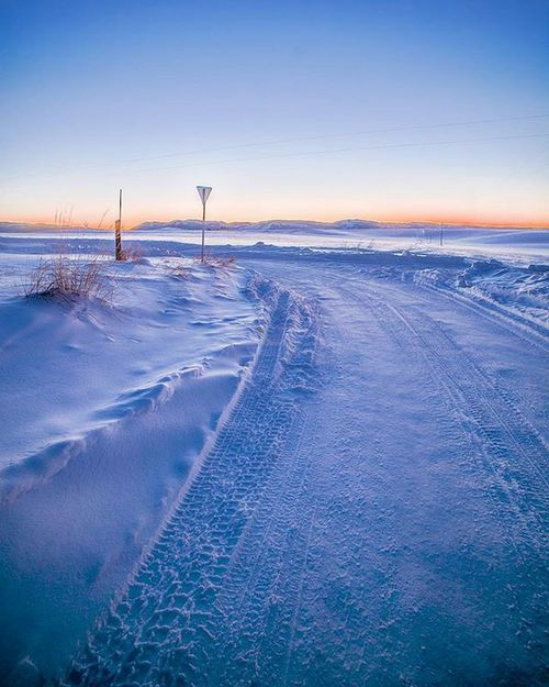 Winter roads in swan valley Idaho. Winter Winterdusk Road Sunsets Lastlight Swanvalley Dusk Bluehour Frozenlandscape Coldweather Snowy Belowzero Winterwonderland