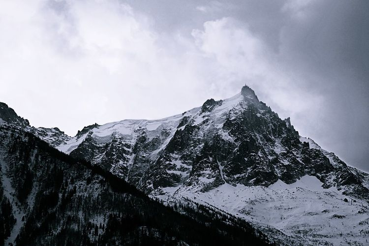 Mountain Snow Winter Snowcapped Mountain No People Cloud - Sky Day Outdoors Sky Cold Temperature Mountain Range Nature Beauty In Nature Scenics Tree