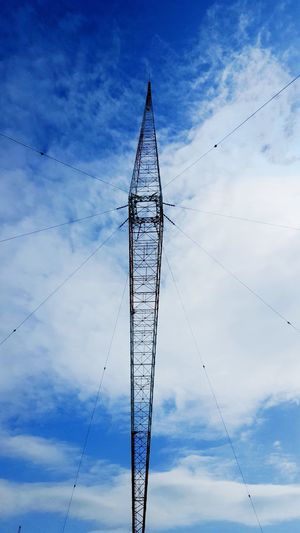 🏗314m Red And White BigBiggerBiggest Radiotower LINE Blue Sky Cloud - Sky Day Nature City Technology Telephone Line Electricity Pylon Industry Electricity  Cable Steel Silhouette Antenna - Aerial Radio Wave Communications Tower Power Station