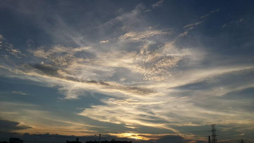 💙..อิจฉาท้องฟ้าที่ได้เทวดากลับคืน..💙 AlwaysourbelovedKing Ilovemyking KingOfKings Thekingofthailand Longlivetheking Beloved Forever The Purist (no Edit, No Filter) Heaven Thailand Sky_collection Clounds And Sky Skylovers Scenics EyeEm Best Shots - Sunsets + Sunrise Landscape_Collection EyeEm Nature Lover