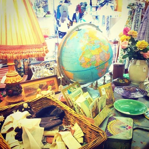 August photo-a-day challenge. Day 30. Cluttered. Snooper's Paradise in Brighton. Fmsphotoaday PhotoADay Cluttered Vintage