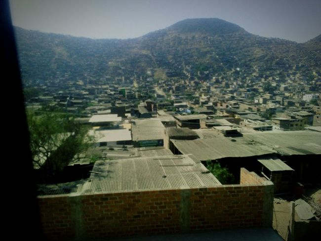 Mi primera foto de esta comunidad hechs con el mobil ;) Movil Building Exterior No People Mountain Day First Eyeem Photo