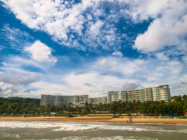 Biển Chiều Mênh Mang Architecture Architecture Art Beach Beachphotography Building Building Exterior Built Structure City City Life Cityscape Cloud Cloud - Sky Coastline Day Outdoors Sand Scenics Sea Sea And Sky Sea Scape Sky Summer Vacations Water