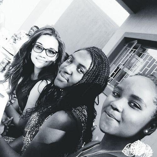 Eyeglasses  Women Friendship Females Beauty Retro Styled Cheerful People Portrait Togetherness Girls Interracialfriendships