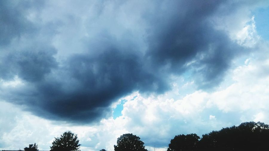 Drak Clouds Storm Clouds Blue Sky Cloud_collection  Cloudporn Weather Skyporn Sky_collection Michigan Summer Memories 🌄 Summer Views Taking Photos 2016♡ Great View Outdoor PhotographyHello World ✌