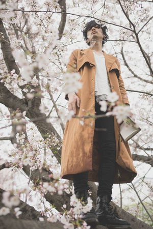 【生存報告】みなさん、お元気ですか?桜の季節には、イケメン撮影などしておりました(๑╹ω╹๑ ) Beauty In Nature Cherry Blossoms Flower Low Angle View Man Model Nature Portrait Rain Rainy Days Sakura Tree Snapshots Of Life EyeEm Best Shots EyeEmBestPics Getting Inspired Fashion People