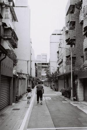 B&w City Lomography Rear View Taiwan Walking